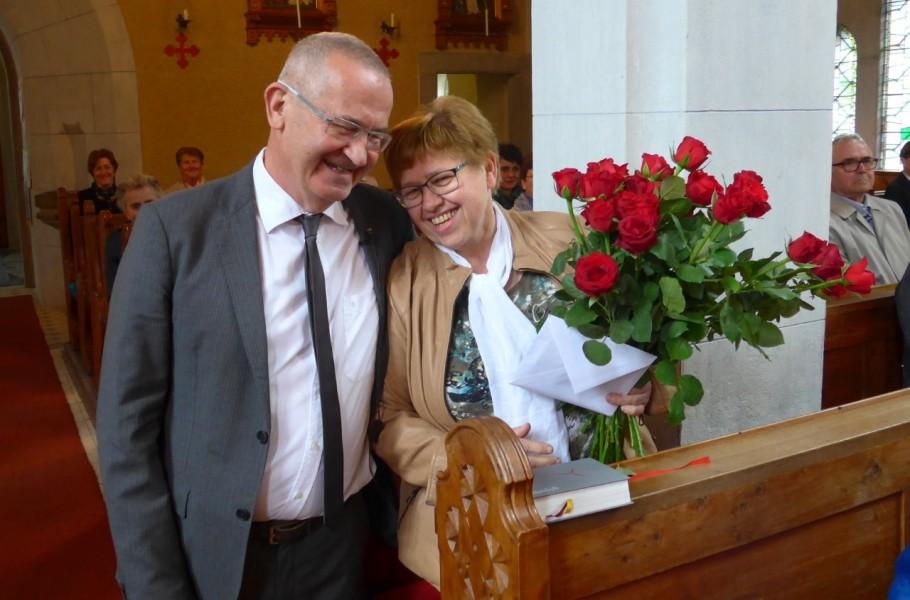 Erni mit Pfarrassistent Mag. Reinhard Brandstetter