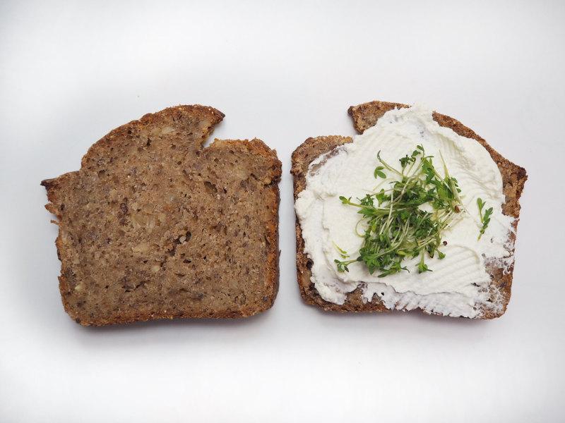 goodblog: Brot selbstgemacht mit Frischkäse und Kresse