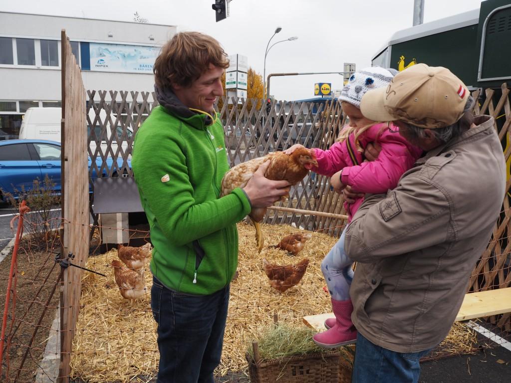 goodblog: Eröffnung Hoflieferanten Hühner