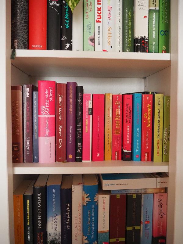 goodblog: Warum Lesen glücklich macht - pinke Bücher