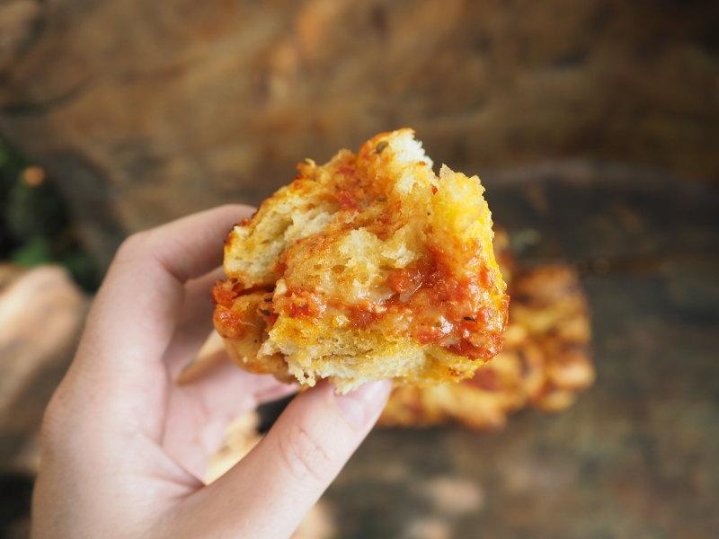goodblog: Faltenbrot mit Tomaten und Mozzarella - der perfekte Bissen