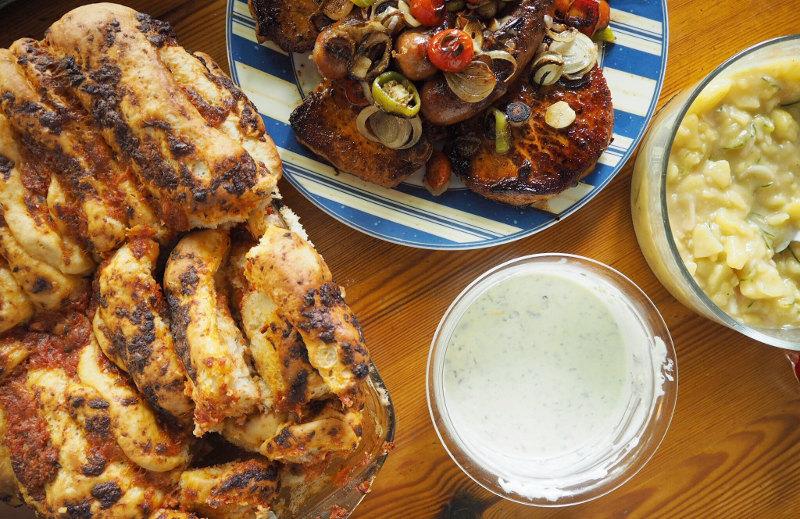 goodblog: Faltenbrot mit Tomaten und Mozzarella - die perfekte Grillbeilage