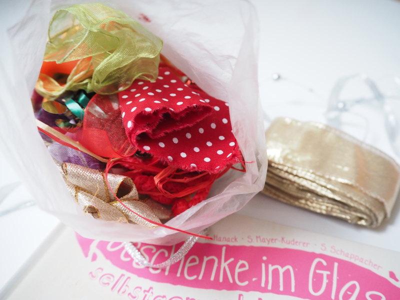 goodblog Gewinnspiel: Geschenke im Glas, Einblick ins Schleifensackerl