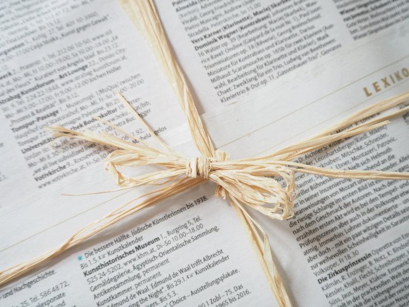 goodblog im Biomagazin: Schenk keinen Mist - Bast statt Geschenksband