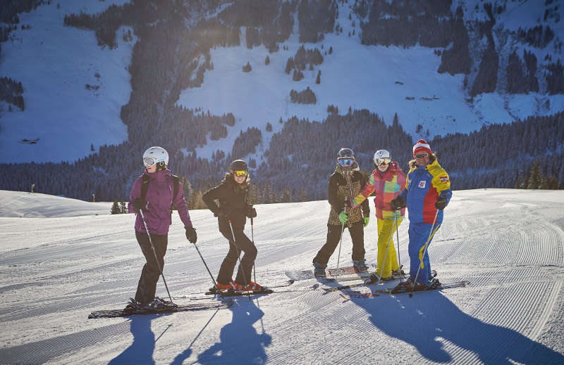 goodblog in der Story Base Saalbach: Skigruppe mit Uwe (c) Daniel Roos Fotografie