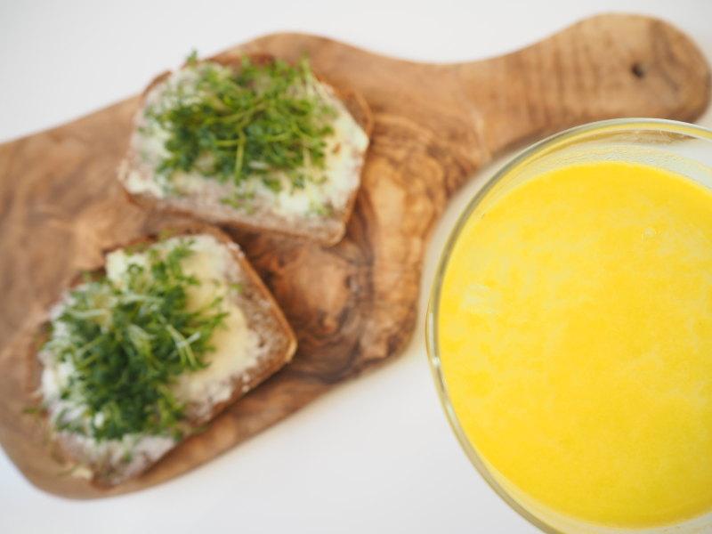 goodblog in der NEUEN Vorarlberger Tageszeitung: Frühlingsfit mit Kresse und Sprossen - Kressebrot und Orangensaft