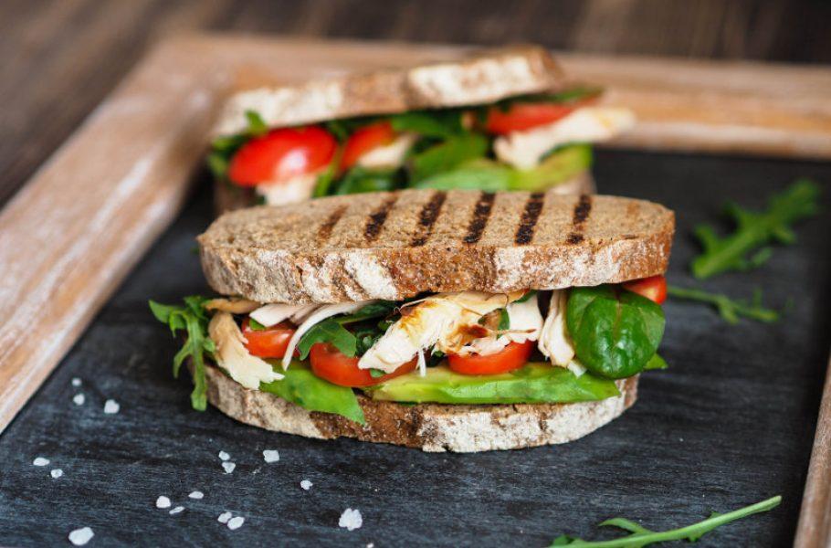 goodblog mit der TCM-Ernährungsberatung Apfelbaum: Onlineseminar Mitte stärken - Frühstücksbrot (c) senteliaolga/fotolia
