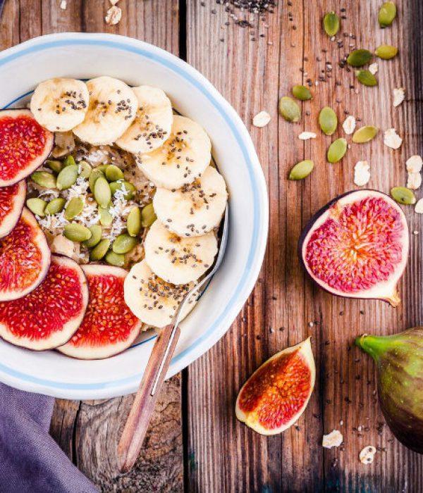 goodblog mit der TCM-Ernährungsberatung Apfelbaum: Porridge - mit Feigen und Bananen (c) nblxer/fotolia