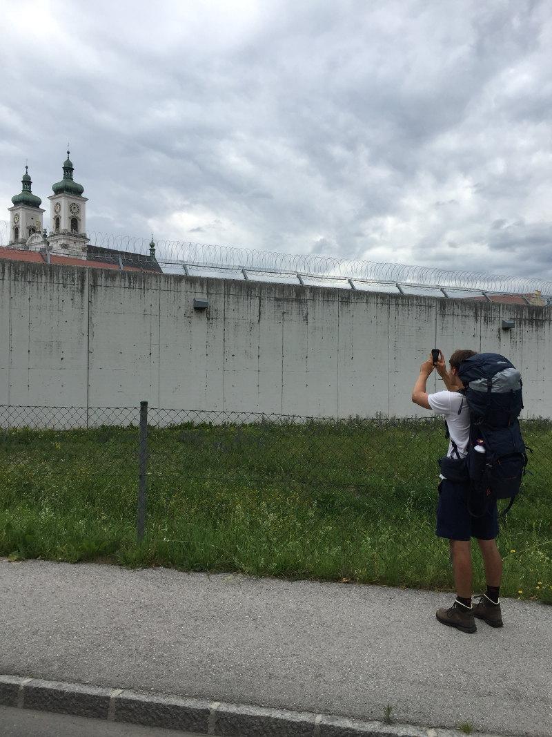 goodblog: Ernst pilgert - Warum? Ein Kirchenfoto