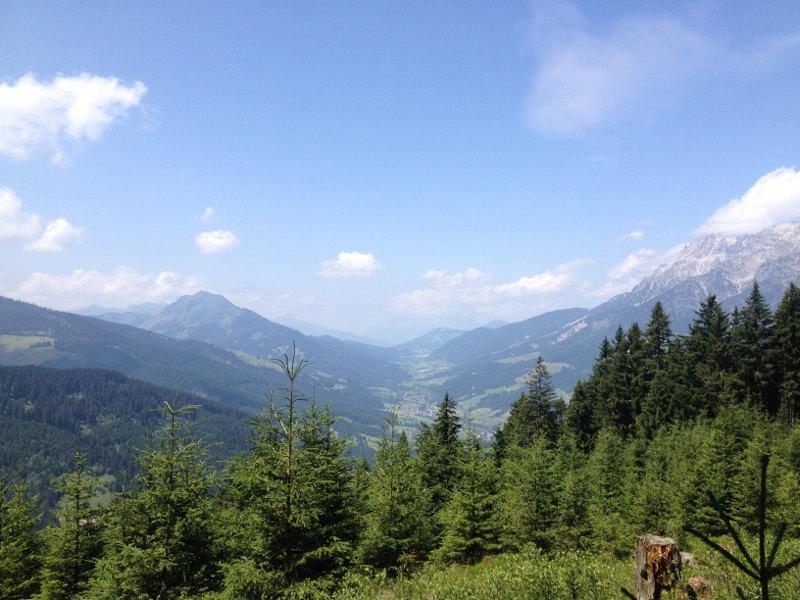 goodblog für die Saalbach Stories: Wandern ist gesund - Aussicht ins Glemmtal