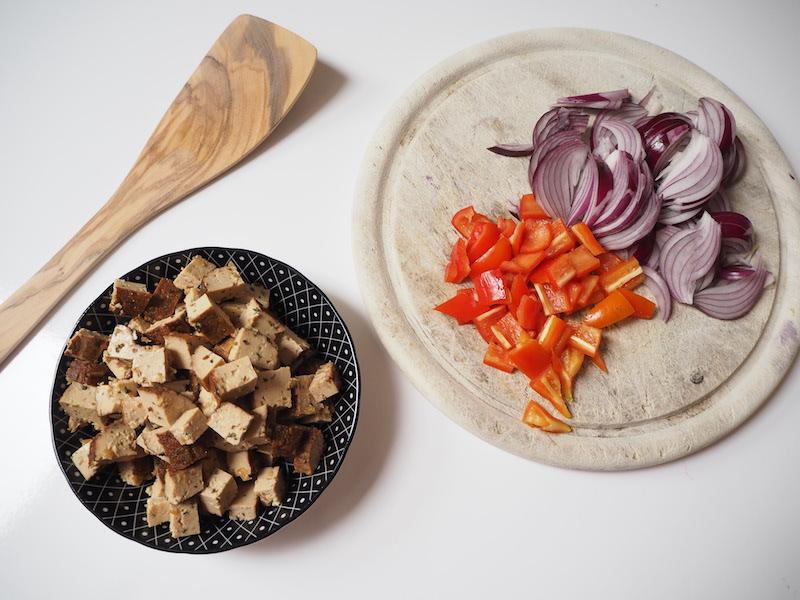 goodblog: Leinöl-Kartoffeln - Zwiebel, Paprika und Tofu fürs Topping