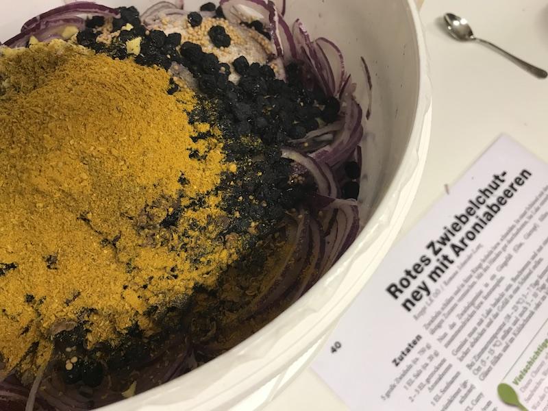 goodblog in der NEUEN Vorarlberger Tageszeitung: Gemüse fermentieren - Zwiebelchutney